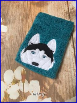 Husky Wolf Hooded Towel and matching Washmitt